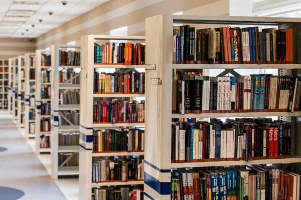 Biblioteka, slika: https://www.pexels.com