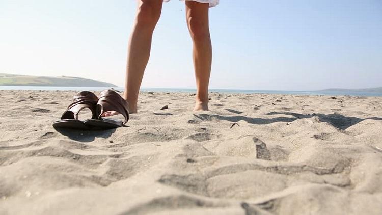 sandale na plaži
