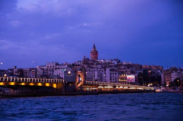 istanbul sumrak kula galata